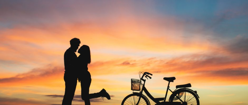 A-Couple-Uses-Quizzes-Boost-Up-Relationship