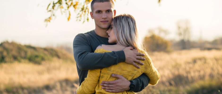 The girl uses dating tips so that he will never cheat