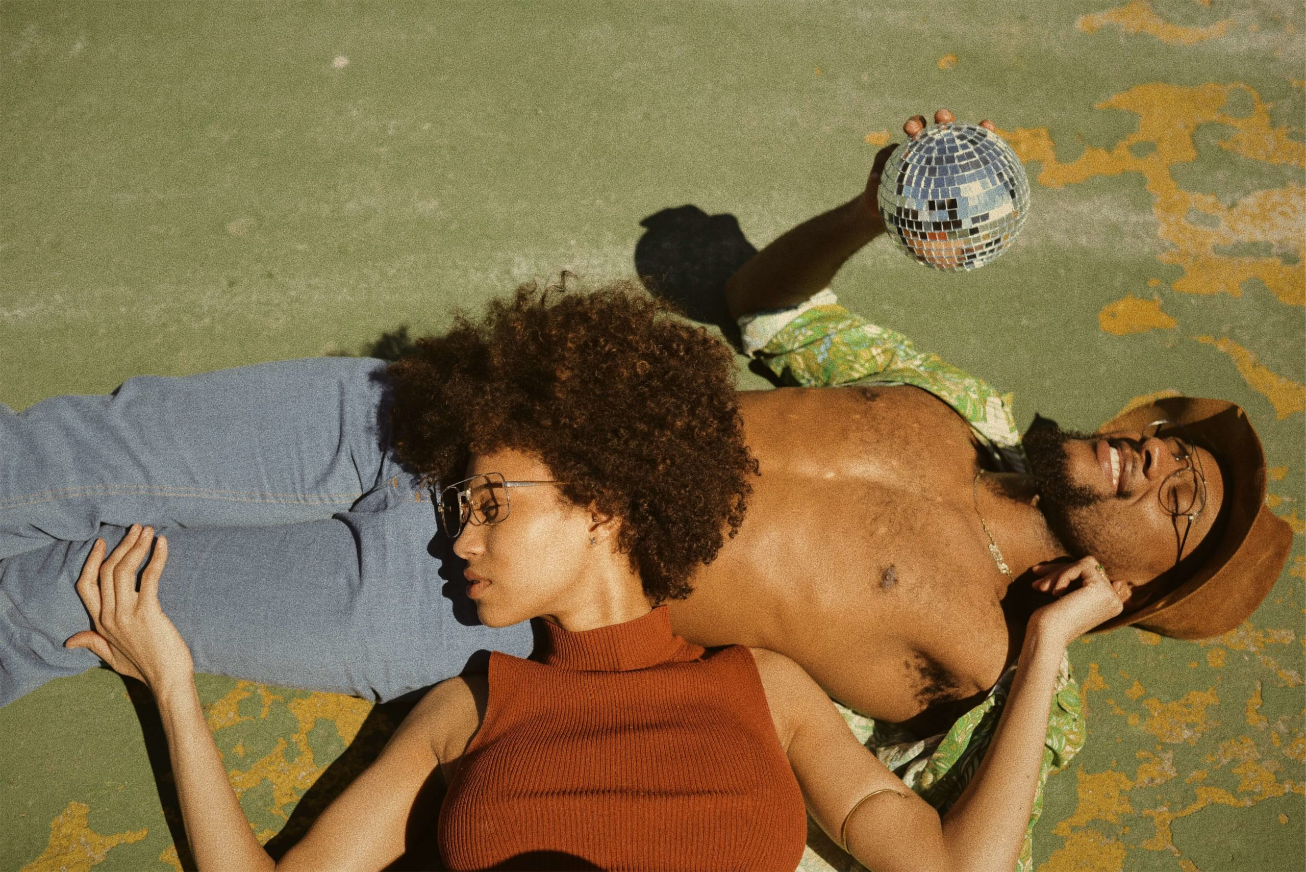 A couple is Striking a Perfect Balance between Intimacy and Space in a Relationship