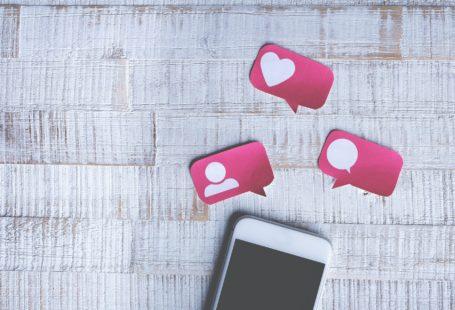 white smart phone for international dating