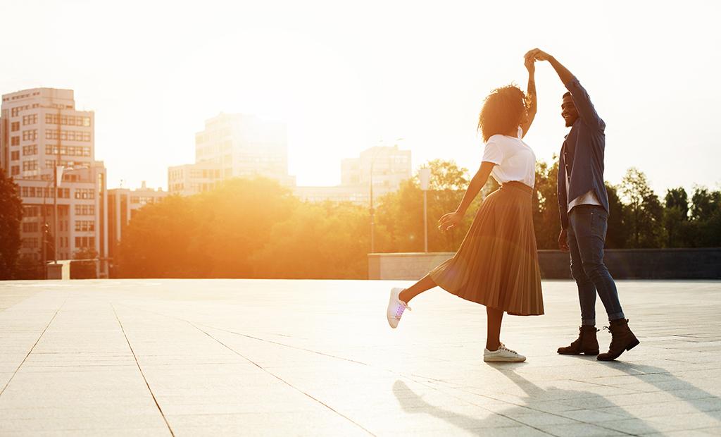 Couple dancing, couple dating